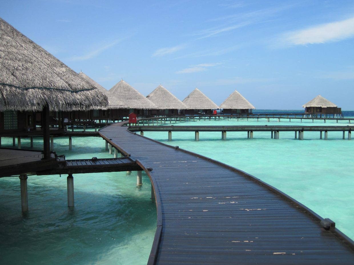 Jing Daily Feature: The Maldives and Paris Top Destination List for Chinese Millennial Travelers