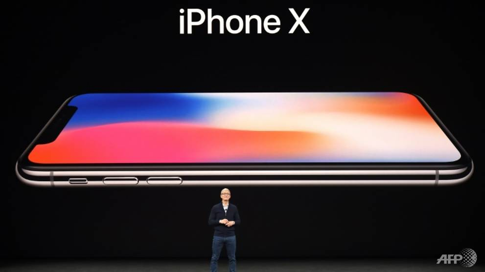 FEATURED ChannelNewsAsia: Singaporean socialite or tech addict? What will owning Apple's iPhone X say about you?